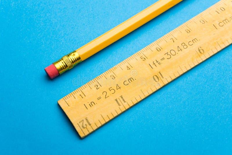 铅笔统治者 免版税库存照片