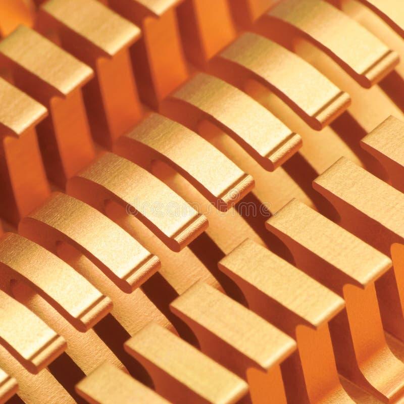 铜CPU或GPU致冷机吸热器宏观特写镜头,大详细的水平的背景织地不很细样式摘要,黄色,金黄 库存图片
