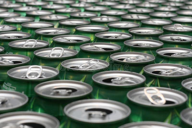 铝是罐头被回收 库存图片