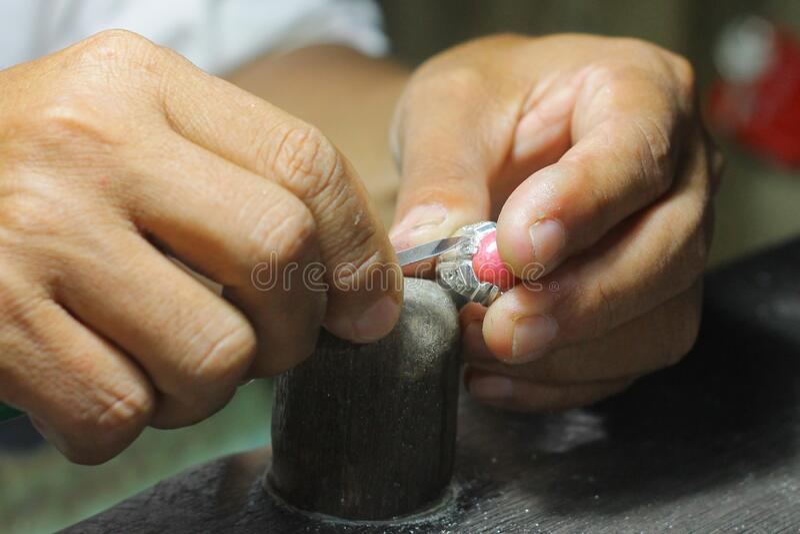 银戒指手工品,印度尼西亚的班加马辛  免版税库存照片