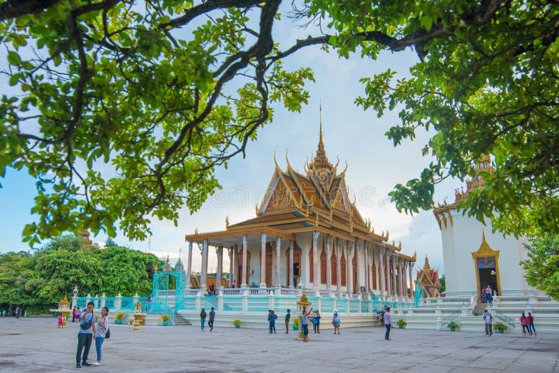 银色塔在框架王宫,柬埔寨 库存图片