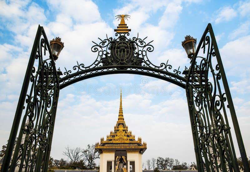 银色塔,王宫,金边, No.1在凸轮的吸引力 免版税库存图片