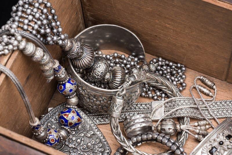 银色珠宝 免版税库存图片