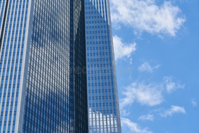 银行或办公室现代摩天大楼在法兰克福 免版税库存图片