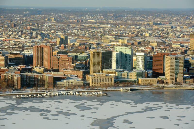 银行波士顿校园查尔斯mit河 免版税库存照片