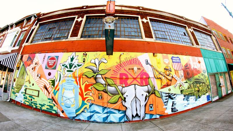 铺铁路工作者的五颜六色的抒情诗墙壁上在大街上在孟菲斯,田纳西 免版税库存图片