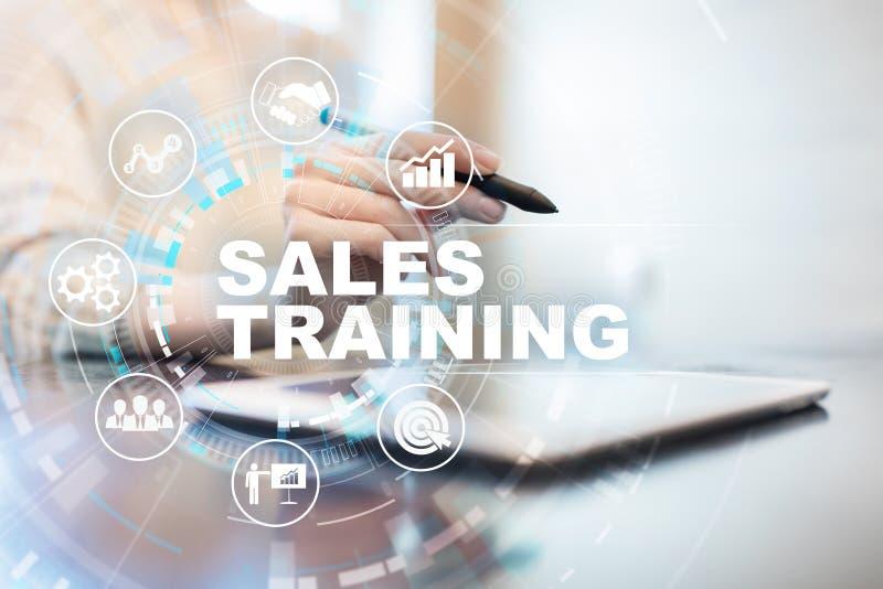 销售培训、业务发展和营销概念在虚屏上 免版税库存图片