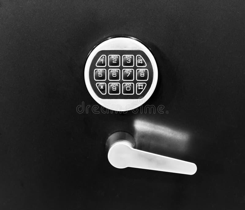 锁和打开门的电子关键系统 免版税图库摄影