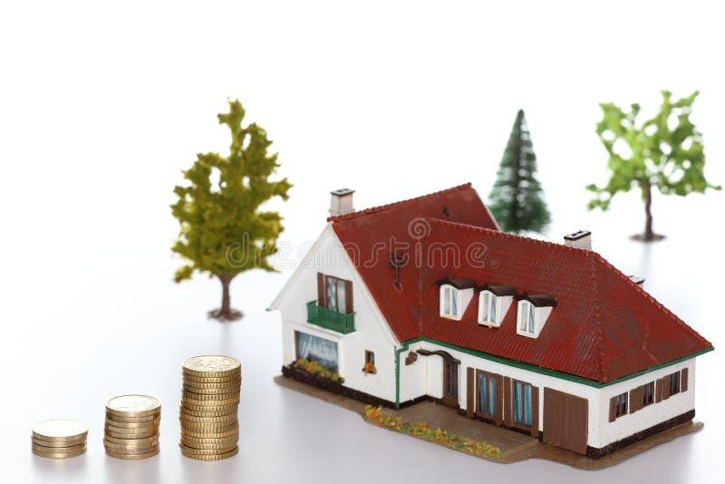 锁着的房子模型 免版税库存照片
