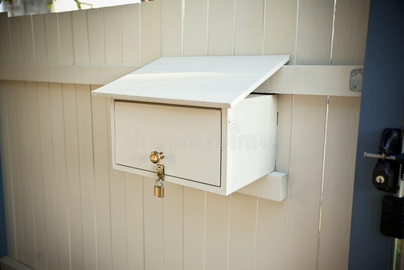 锁着的邮箱 图库摄影