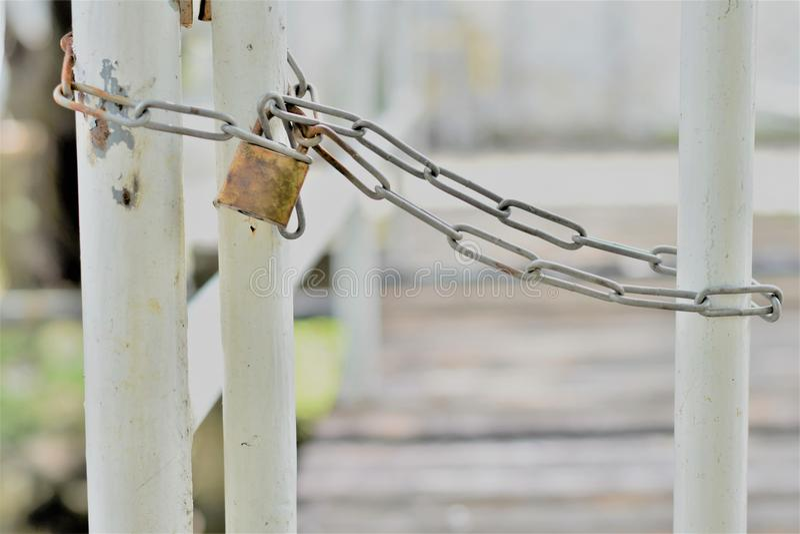 锁篱芭的长链 库存图片