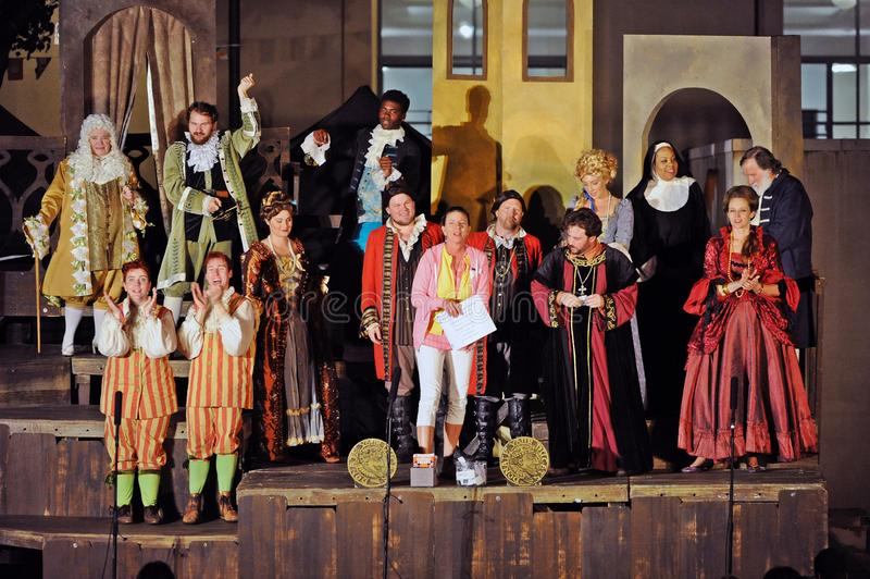 错误喜剧,由海的莎士比亚创价大学的,亚里索维耶荷,2019年8月07日 免版税图库摄影