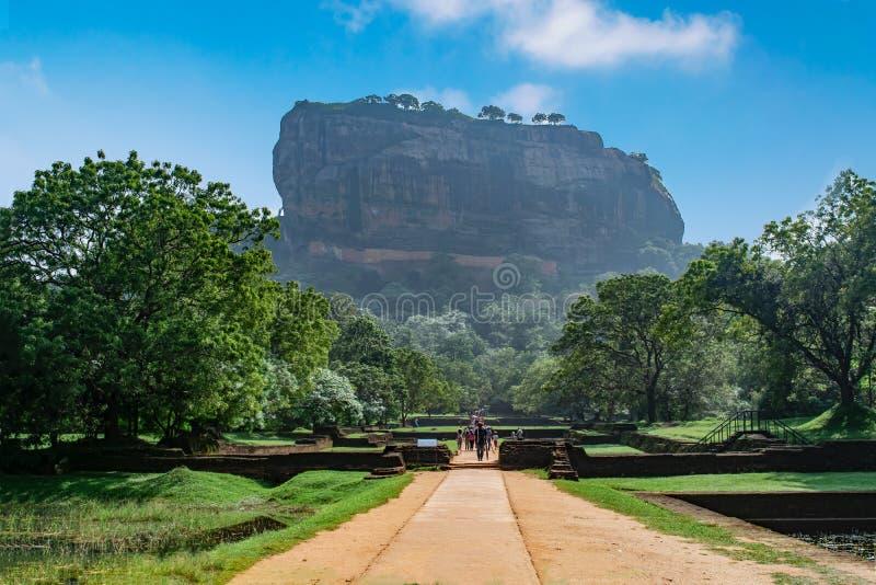 锡吉里耶岩石或狮子岩石,斯里兰卡 免版税库存照片