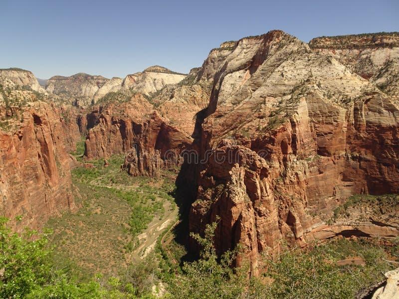 锡安国家公园-登陆足迹,犹他,美国的天使上面  免版税库存图片