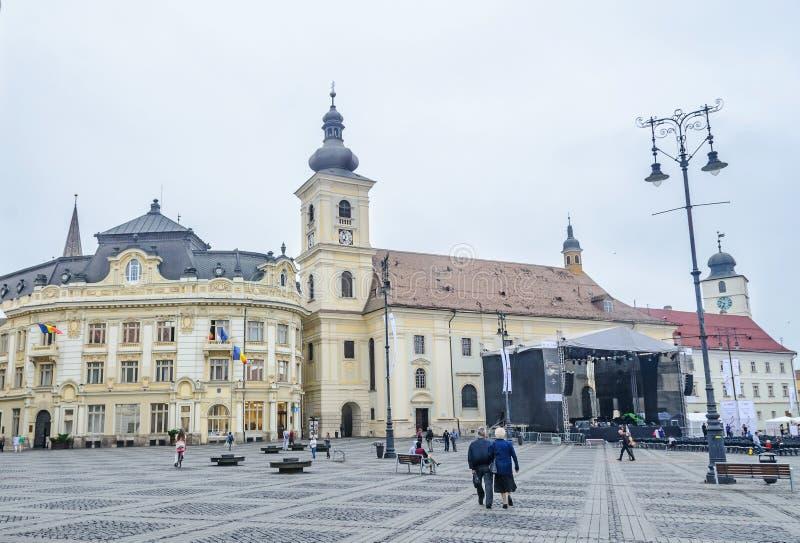 锡比乌,罗马尼亚:从街市(Piata母马)的巨大正方形 免版税库存照片