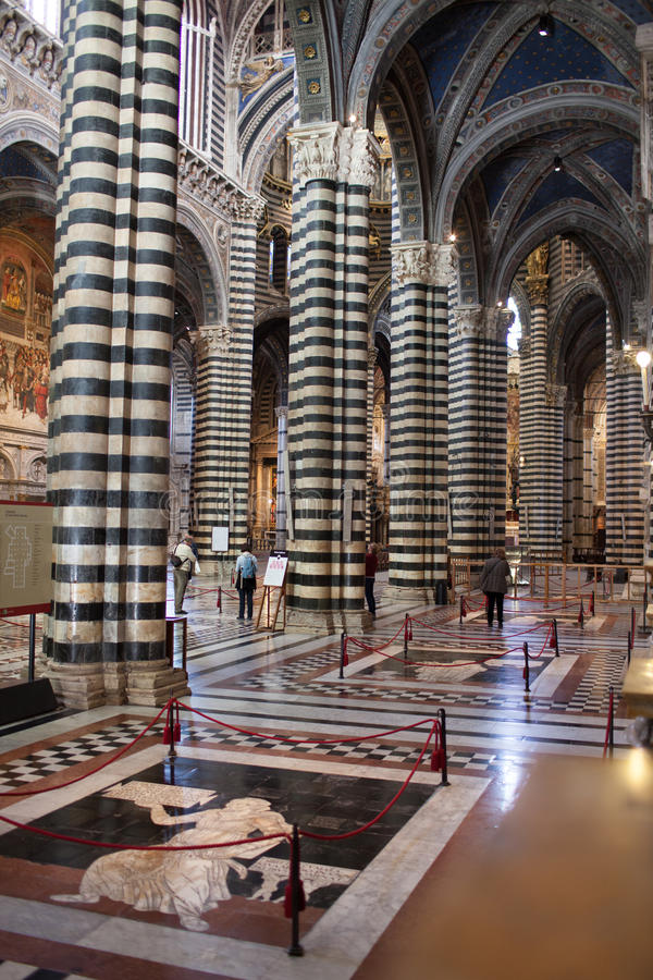 锡耶纳大教堂内部 免版税库存图片