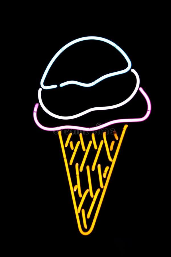 Download 锥体奶油色冰氖 库存图片. 图片 包括有 点心, 商业, 符号, 存储, 锥体, 登广告者做广告, 美味, 奶油 - 64621