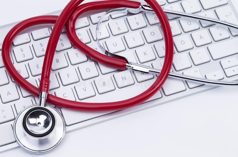 键盘和听诊器 库存图片