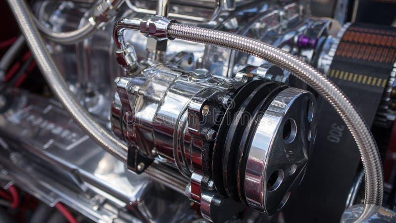 镀铬物被镀的引擎 图库摄影