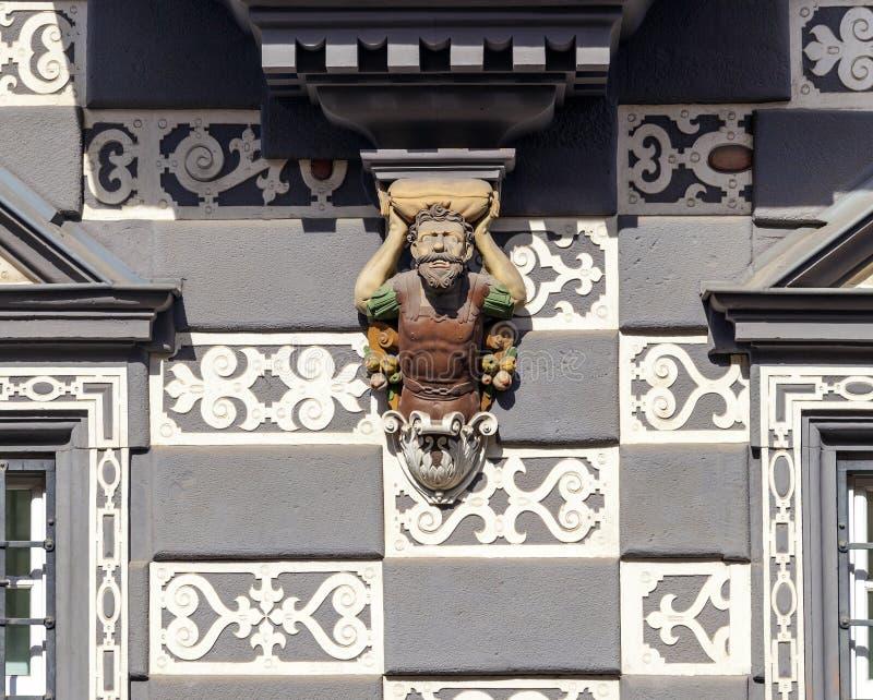 镇博物馆的门面的细节Haus zum的Stockfisch在埃福特 免版税库存图片