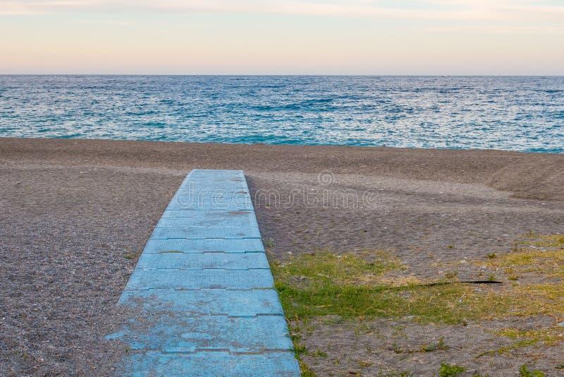 镇静和偏僻的海滩 免版税库存图片