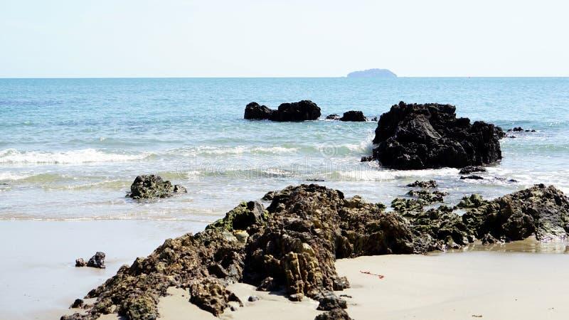 镇静热带海滩 免版税图库摄影