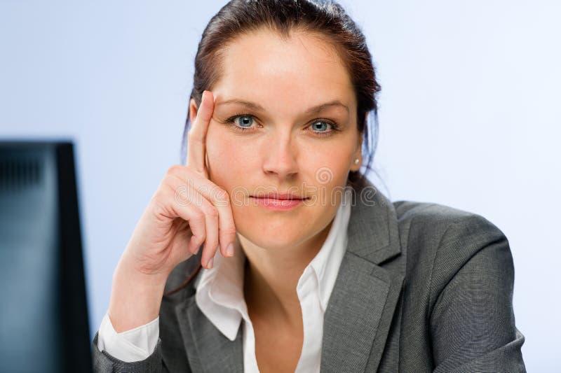 镇静确信的女实业家 免版税库存图片