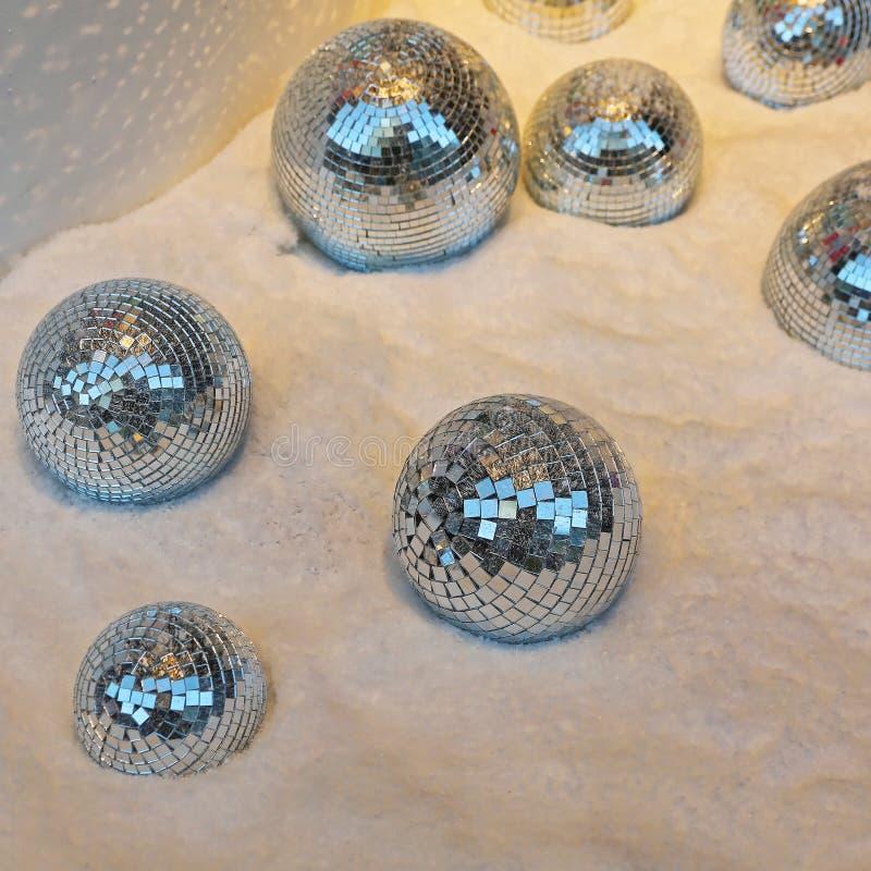 镜子球雪 免版税库存图片