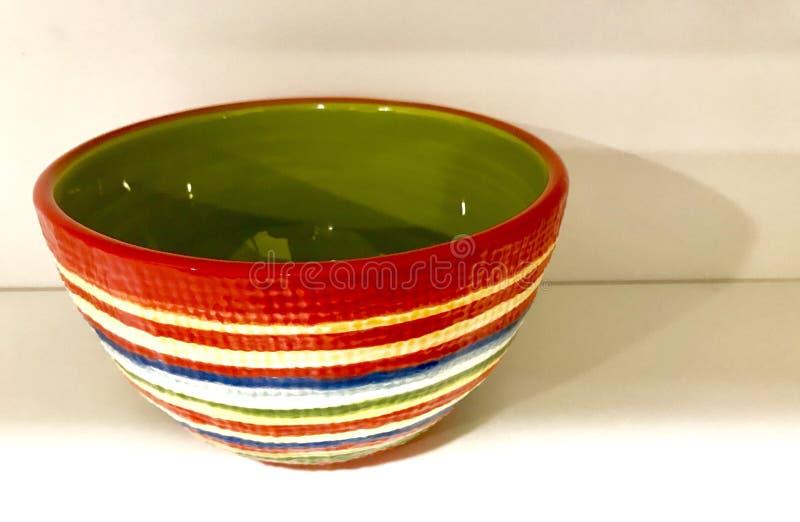 镶边绿色碗 库存照片