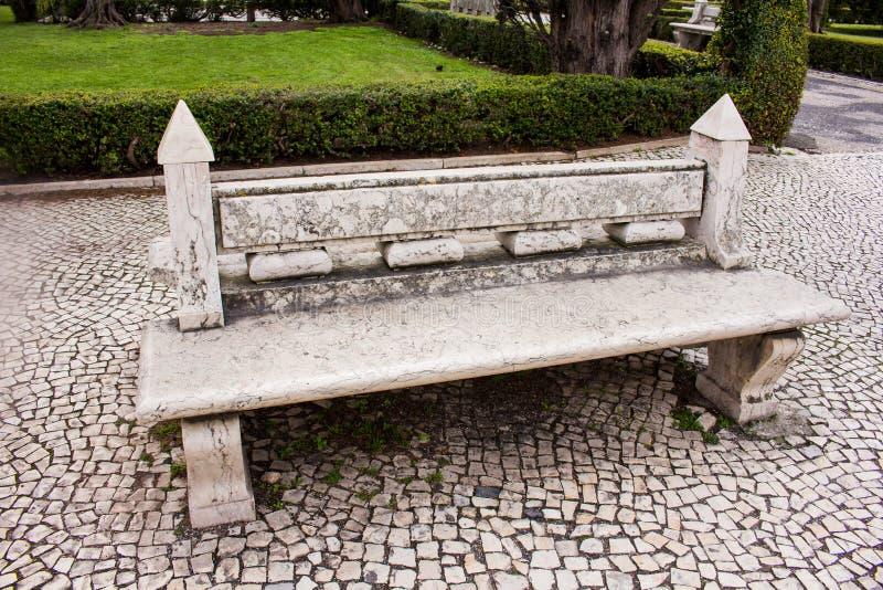 长凳在里斯本 免版税库存照片