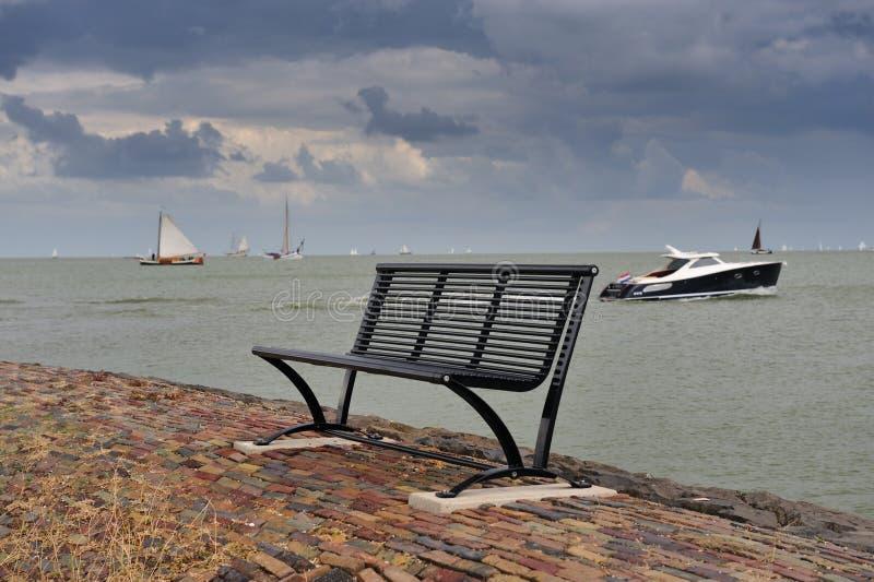 长凳小船荷兰 库存图片