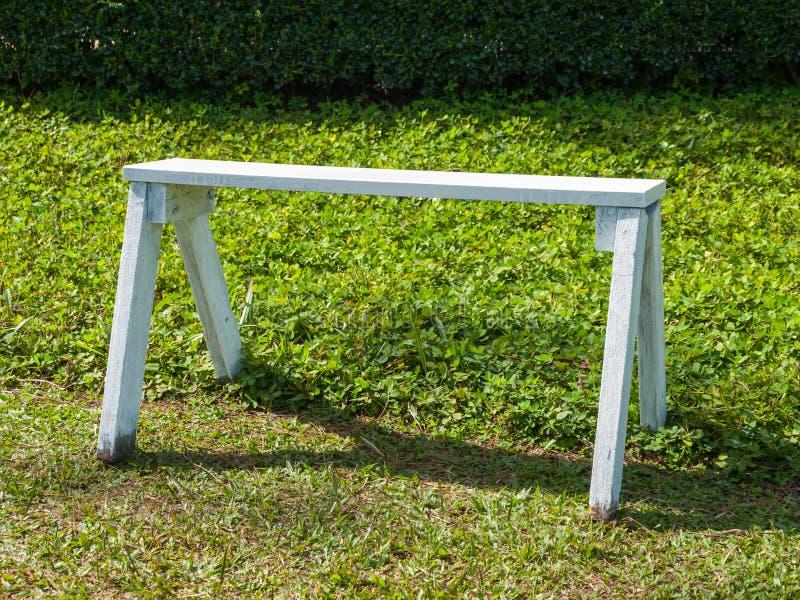 长凳空白木 免版税库存图片