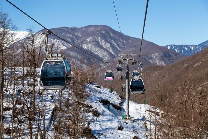 Download 长平底船在罗莎Khutor滑雪胜地,索契,俄罗斯举 编辑类图片. 图片 包括有 地标, 高地, 通风, 推力 - 72356755