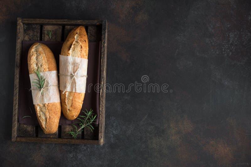 长方形宝石面包用迷迭香 免版税库存照片