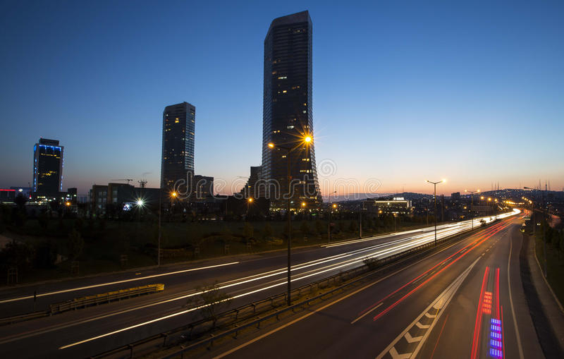 长曝光伊斯坦布尔交通和广场 免版税库存照片