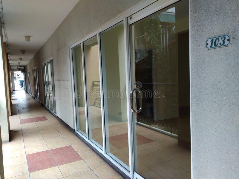 长期空的走廊 库存照片