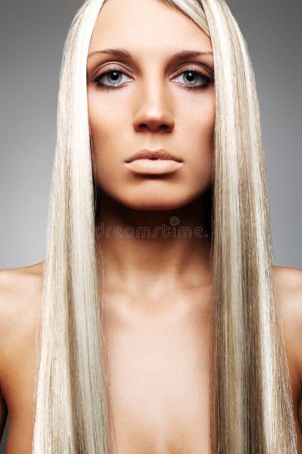 长期美丽的金发 免版税库存照片