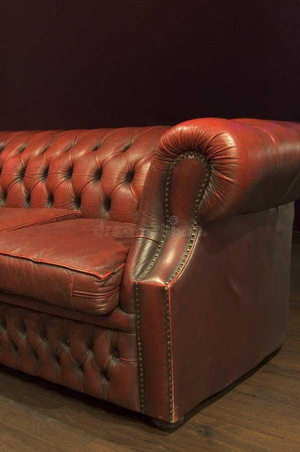 长沙发皮革 免版税图库摄影