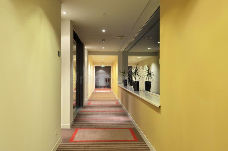 长的走廊旅馆 免版税库存照片