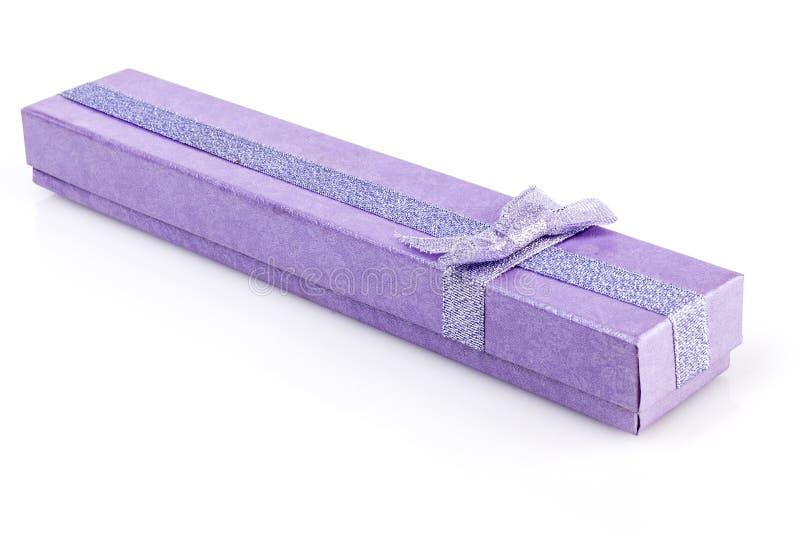 长的紫色箱子 免版税图库摄影