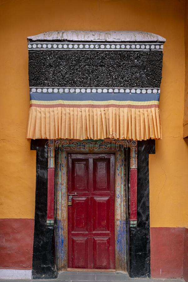 门与装饰Thiksey修道院西藏佛教寺庙大厦  库存照片