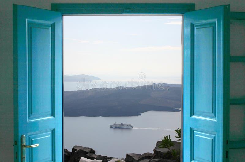 门俯视海 免版税库存照片