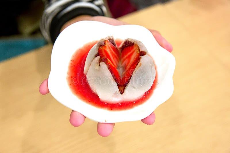门司草莓,日本点心 免版税库存图片