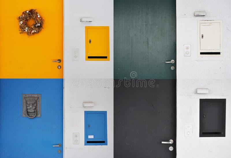 门和岗位箱子 库存照片