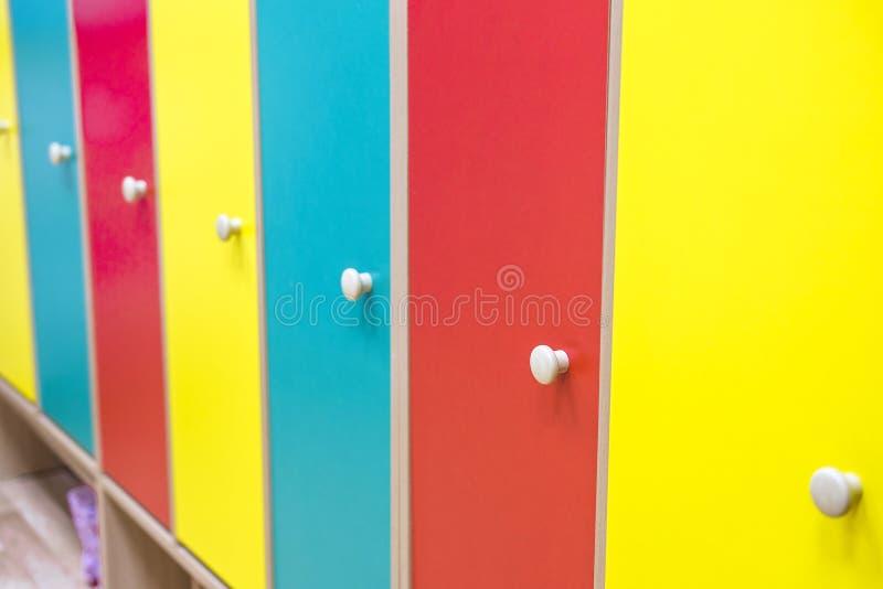 门在寄物处 免版税库存图片