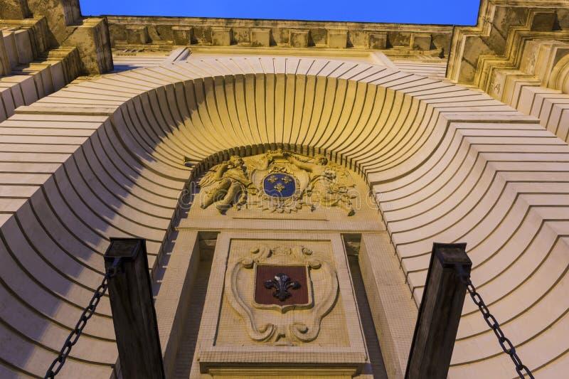 Download 巴黎门在里尔在法国 库存图片. 图片 包括有 法国, 欧洲, 形成弧光的, 新古典主义, 世纪, 地标, 雕象 - 72357719