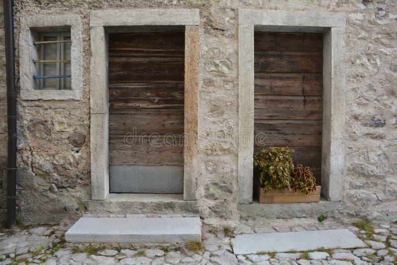 门在Erto 图库摄影