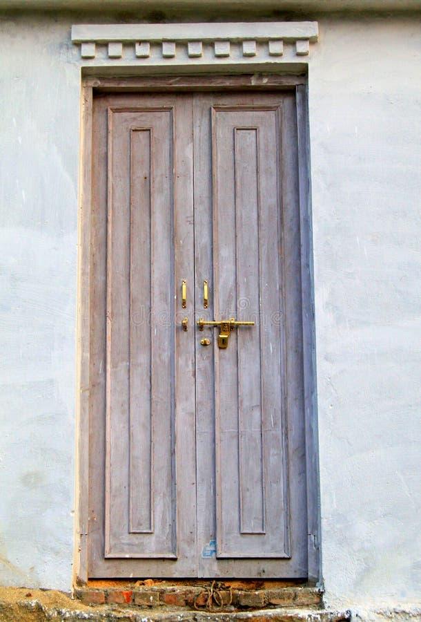 门房子老木 库存图片