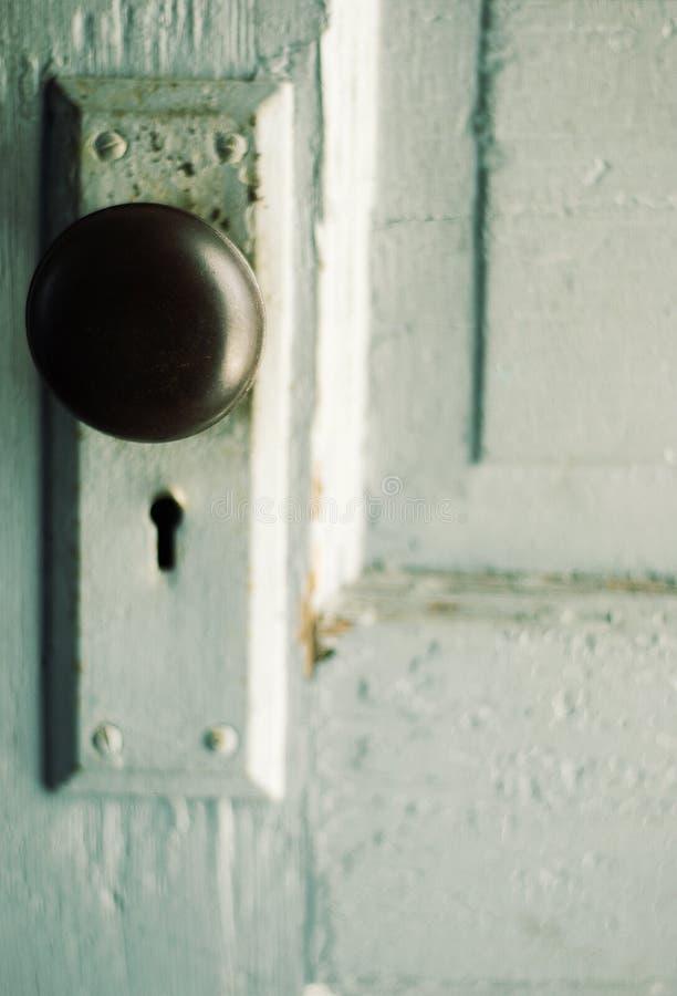 Download 门把葡萄酒 库存照片. 图片 包括有 杂乱, 发红光的, 证券, 困厄, grunge, 门把, 开放, 匙孔 - 15699998