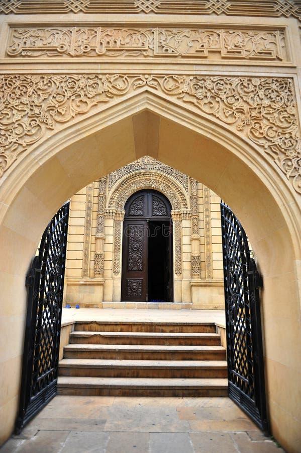 门的看法在巴库老镇 库存图片